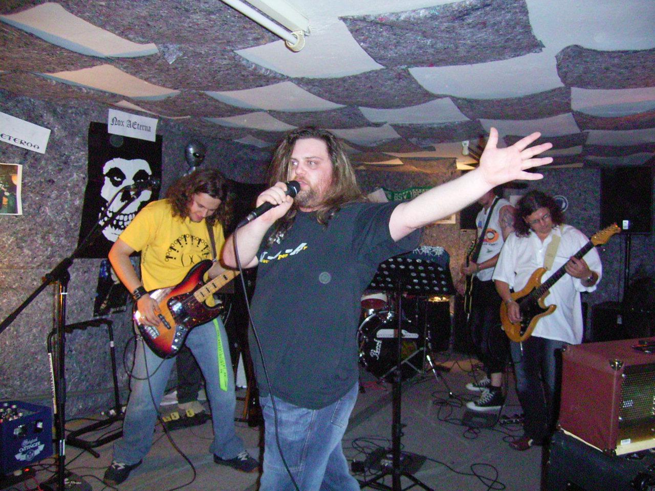Rock im Proberaum Juli 2006 021